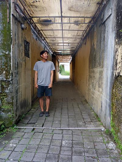 Hanif-alley-400.jpg